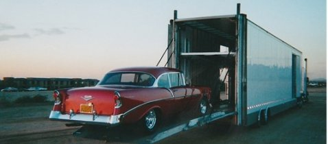 Features of vintage car shipping